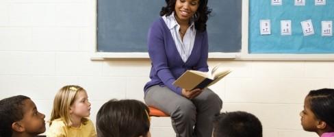 black-teacher-in-the-classroom